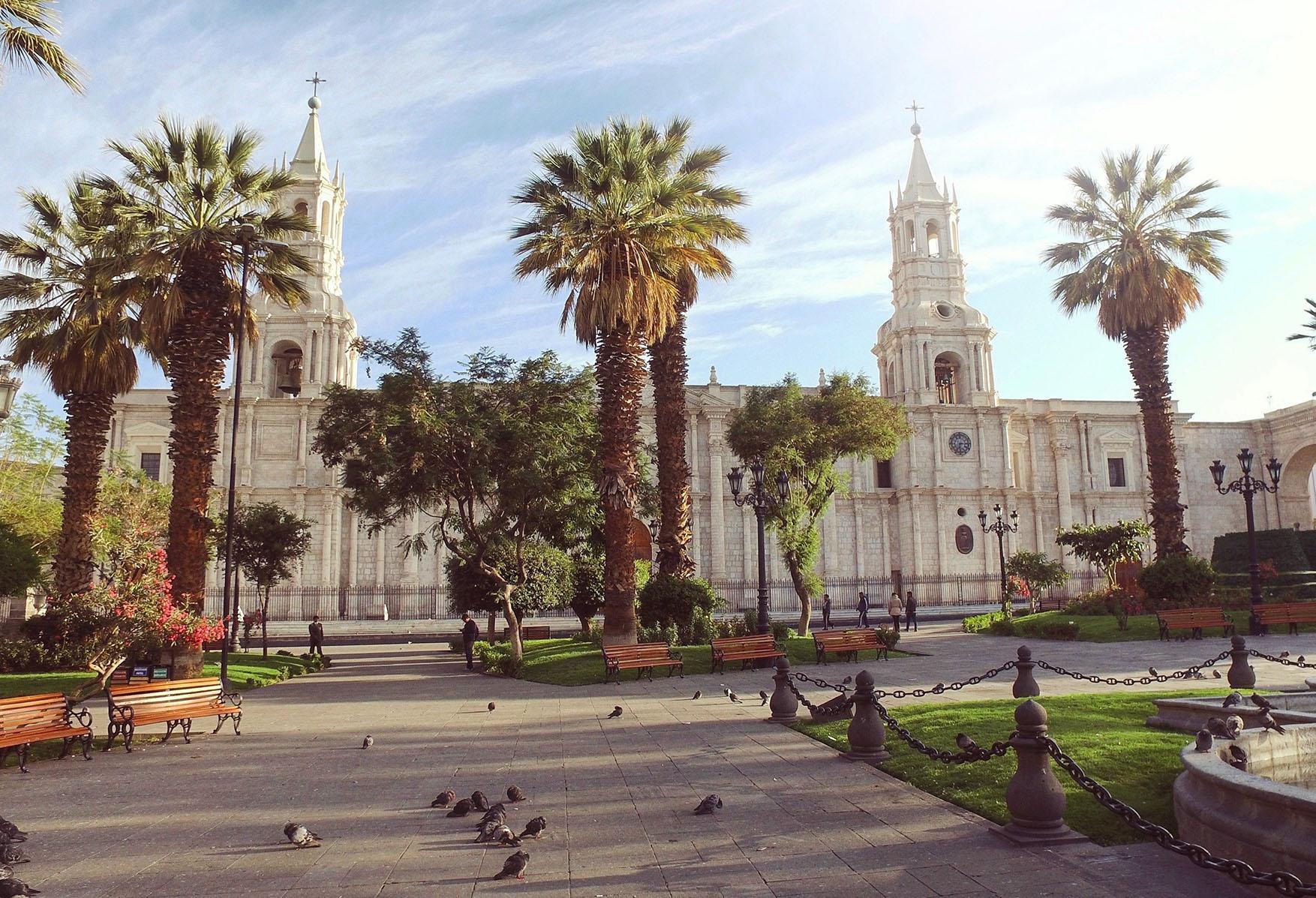 peru katedrala cestovanie