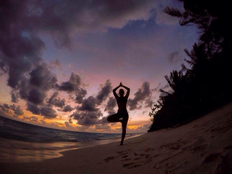 Maledivy Yoga zapad slnka