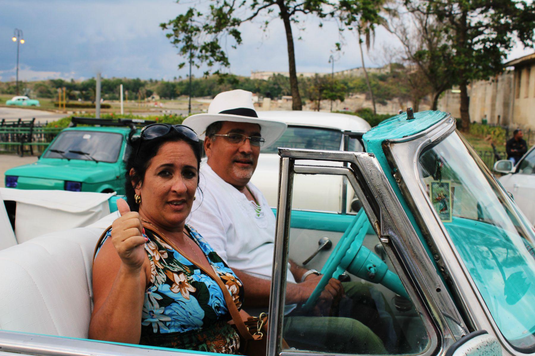 Kuba Havana šofér auta