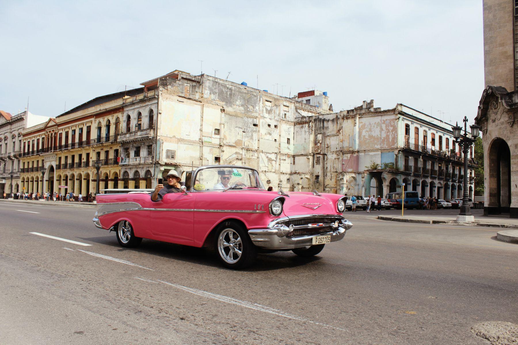 Havana staré americké autá