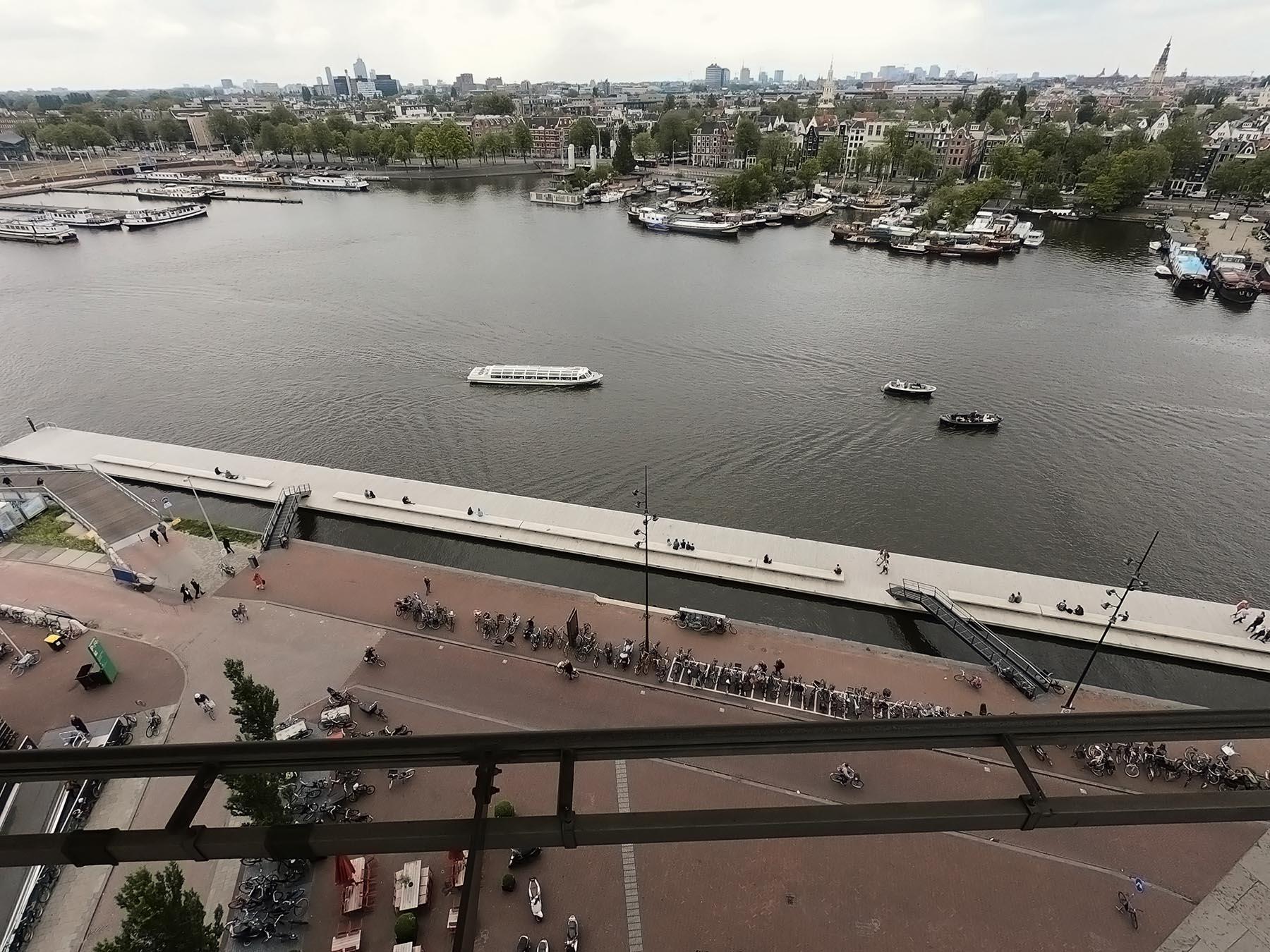 Amsterdam-kam za výhľadom